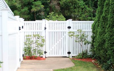Mulberry Vinyl Fence