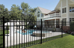 How Do I Choose a Fence